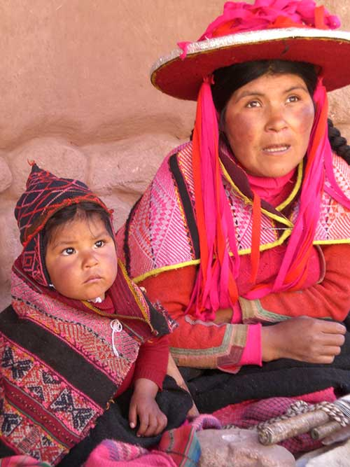 Peruvian-Woman-and-Child