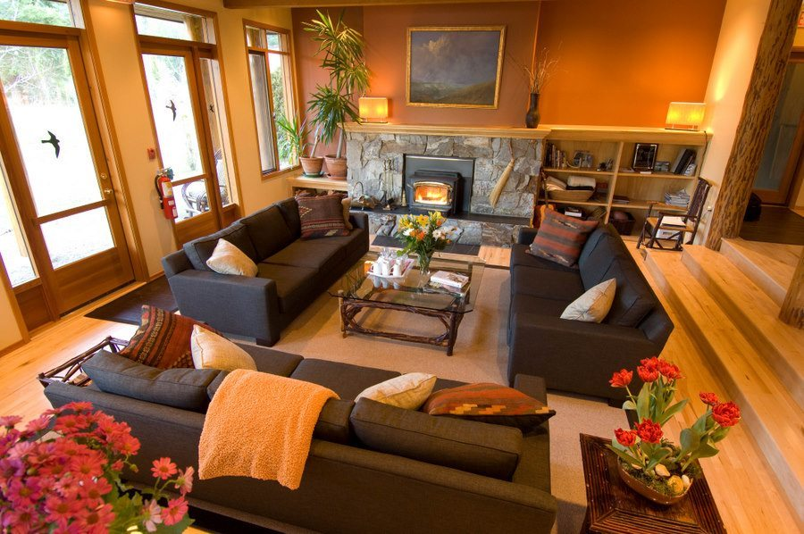 Mountain Trek Lodge & Spa Lounge