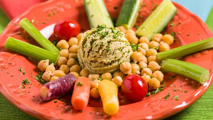 Yum! Hummus and veggies!