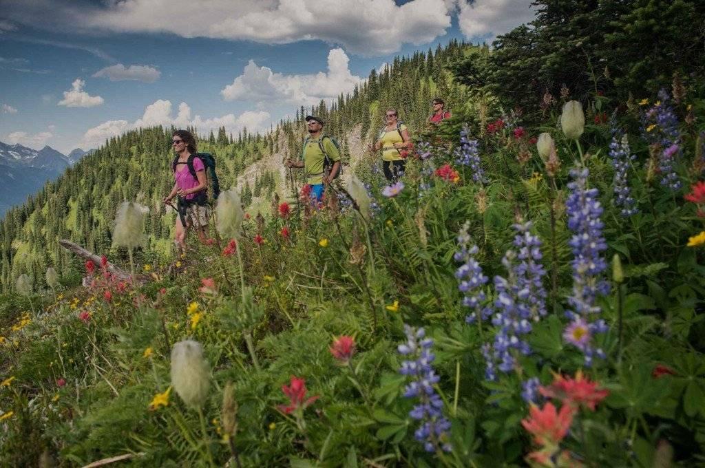 Hiking-at-Idaho-Peak