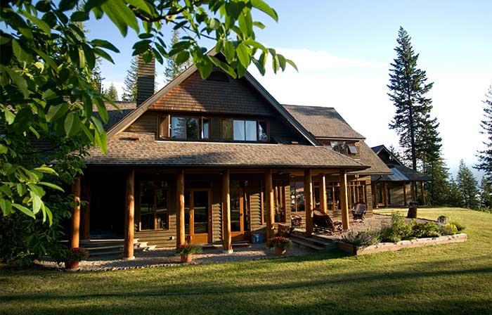 Mountain Lodge in Britsh Columbia